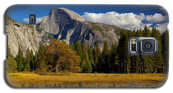 Galaxy S5 Case featuring the photograph The Valley by Evgeny Vasenev