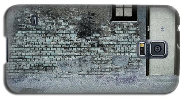 Galaxy S5 Case featuring the photograph The Wall by Douglas Stucky