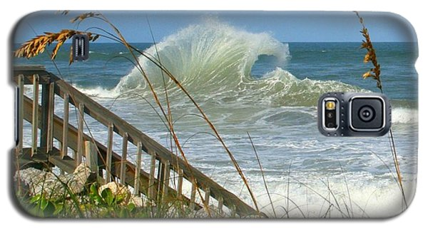 Galaxy S5 Case featuring the photograph The Wave by Denise Moore
