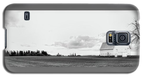 Galaxy S5 Case featuring the photograph The White Barn by Rebecca Cozart