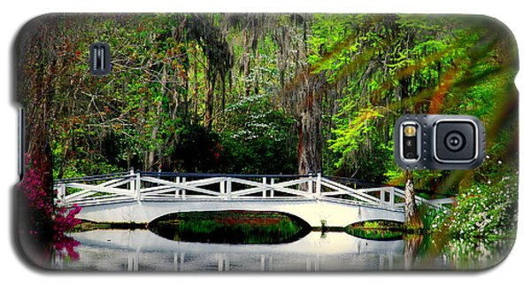 The White Bridge In Magnolia Gardens Sc Galaxy S5 Case