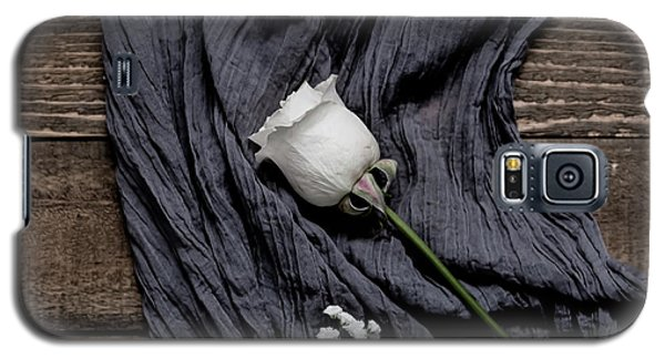 Galaxy S5 Case featuring the photograph The White Rose by Kim Hojnacki