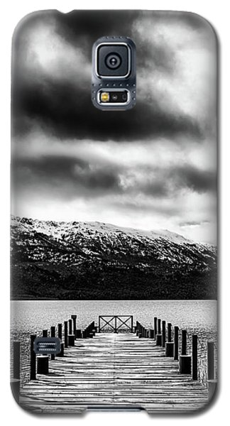 Landscape With Lake And Snowy Mountains In The Argentine Patagonia - Black And White Galaxy S5 Case