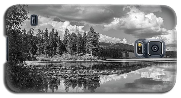 Thompson Lake In Black And White Galaxy S5 Case