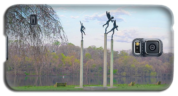 Galaxy S5 Case featuring the photograph Three Angels In Spring - Kelly Drive Philadelphia by Bill Cannon