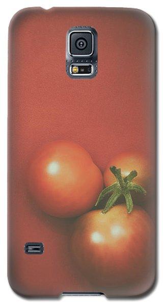 Tomato Galaxy S5 Case - Three Cherry Tomatoes by Scott Norris