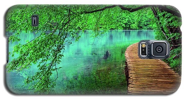 Tree Hanging Over Turquoise Lakes, Plitvice Lakes National Park, Croatia Galaxy S5 Case