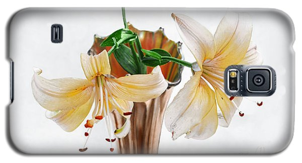 Three Pale Gold Lilies Still Life Galaxy S5 Case by Louise Kumpf
