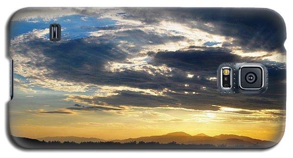 Three Peak Sunset Swirl Skyscape Galaxy S5 Case by Matt Harang