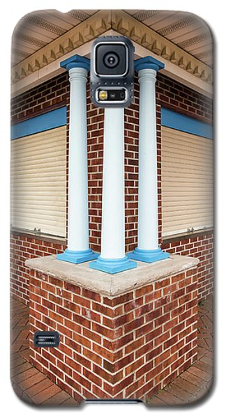 Three Pillars At The Refreshment Stand Galaxy S5 Case