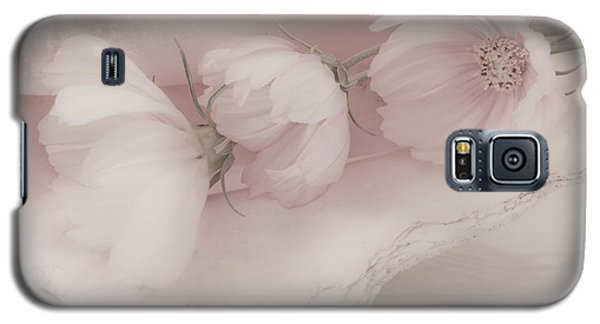 Three Pink Cosmo Flowers Galaxy S5 Case