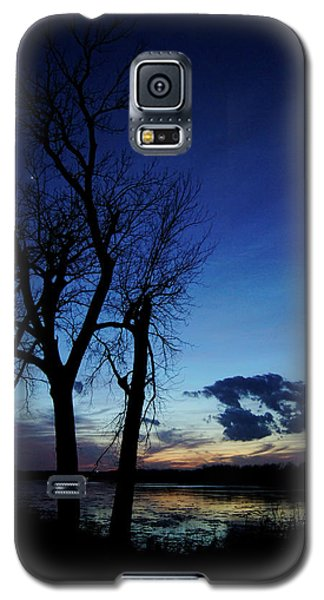Galaxy S5 Case featuring the photograph Three Sisters by Cricket Hackmann