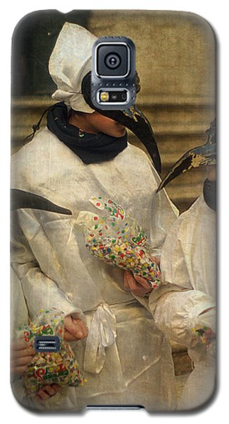 Three Venice Boys Celebrating At Carnival Galaxy S5 Case by Suzanne Powers