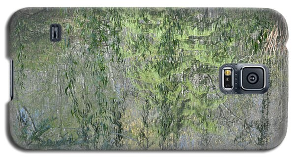 Galaxy S5 Case featuring the photograph Through The Willows by Linda Geiger