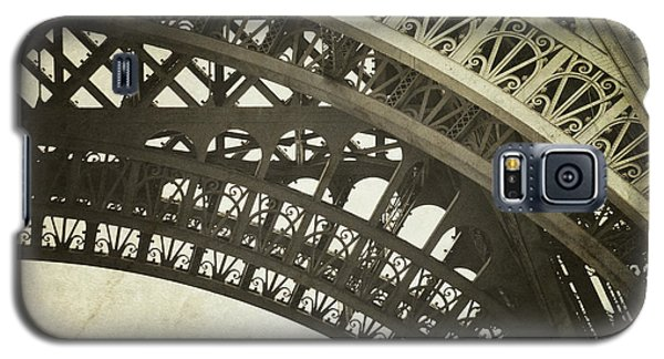 Galaxy S5 Case featuring the photograph Timeless - Vintage Paris Eiffel Tower Photography by Melanie Alexandra Price