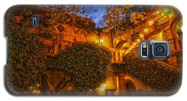 Galaxy S5 Case featuring the photograph Tlaquepaque Evening by Laura Pratt