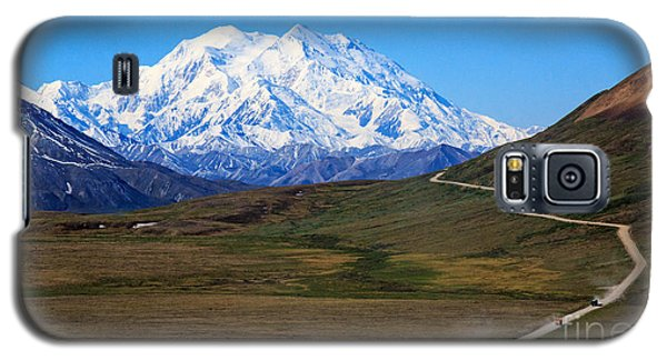 Galaxy S5 Case featuring the photograph To Mount Mckinley by Robert Pilkington