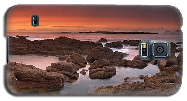 Galaxy S5 Case featuring the photograph To Sea's Unknown by John Chivers