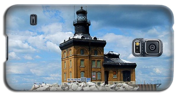 Galaxy S5 Case featuring the photograph Toledo Harbor Lighthouse by Michiale Schneider