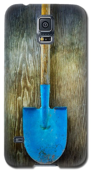 Tools On Wood 23 Galaxy S5 Case by Yo Pedro