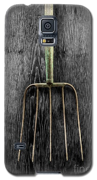 Galaxy S5 Case featuring the photograph Tools On Wood 7 On Bw by YoPedro