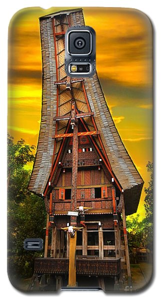 Toraja Architecture Galaxy S5 Case by Charuhas Images