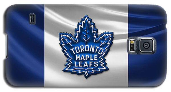Patriotic Galaxy S5 Case - Toronto Maple Leafs - 3d Badge Over Flag by Serge Averbukh