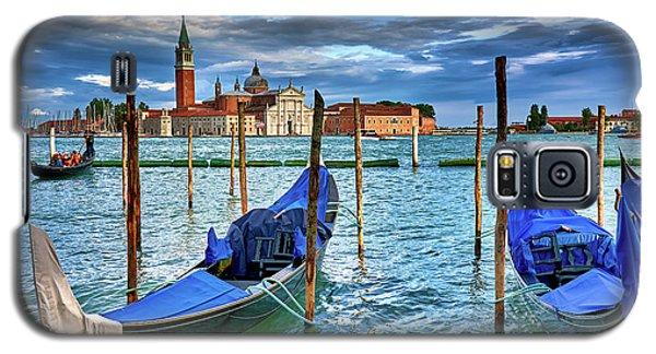 Gondolas And San Giorgio Di Maggiore In Venice, Italy Galaxy S5 Case
