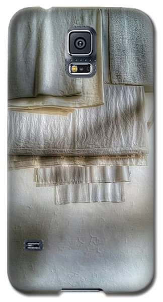 Towels And Sheets Galaxy S5 Case