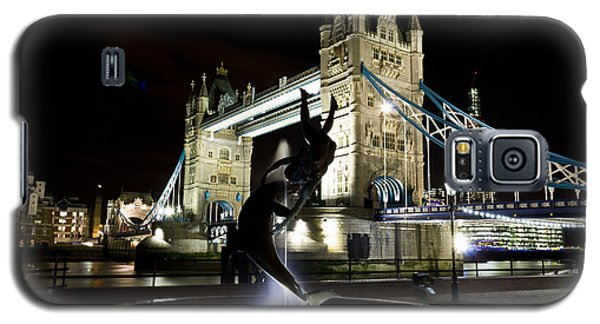 Tower Bridge With Girl And Dolphin Statue Galaxy S5 Case