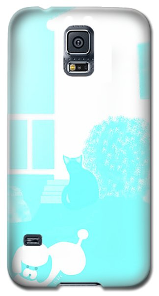 Toy Poodle Louie And Black Cat Jessica In The Yard Galaxy S5 Case