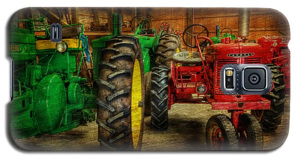 Tractors At Rest - John Deere - Mccormick - Farmall - Farm Equipment - Nostalgia - Vintage Galaxy S5 Case