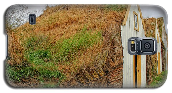Traditional Turf Houses In Iceland Galaxy S5 Case
