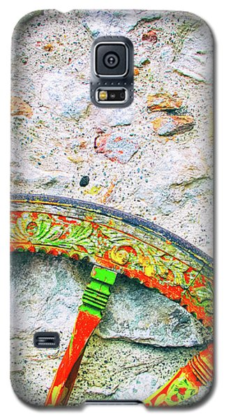 Galaxy S5 Case featuring the photograph Traditional Sicilian Cart Wheel Detail by Silvia Ganora
