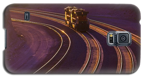 Train At Sunset Galaxy S5 Case by Garry Gay