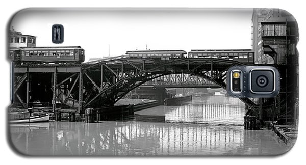 Galaxy S5 Case featuring the photograph Trains Cross Jack Knife Bridge - Chicago C. 1907 by Daniel Hagerman