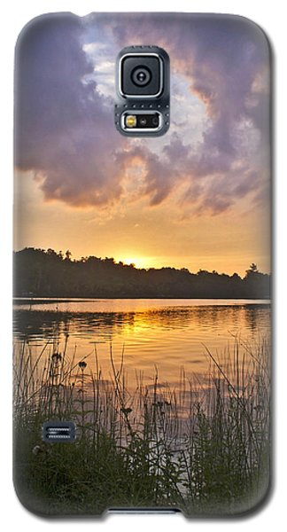 Tranquil Sunset On The Lake Galaxy S5 Case by Gary Eason
