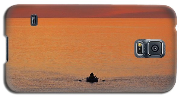 Galaxy S5 Case featuring the photograph Tranquililty by Linda Hollis