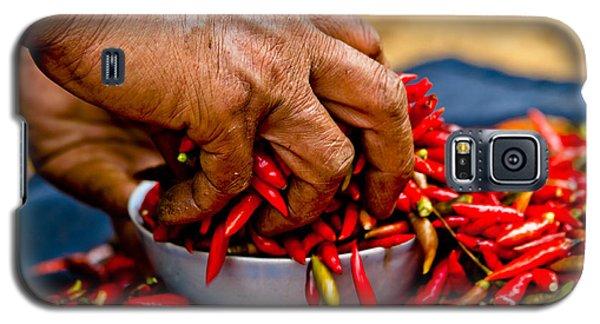 Woman Holding Red Chillies, Can Cau Market, Sapa,vietnam Galaxy S5 Case