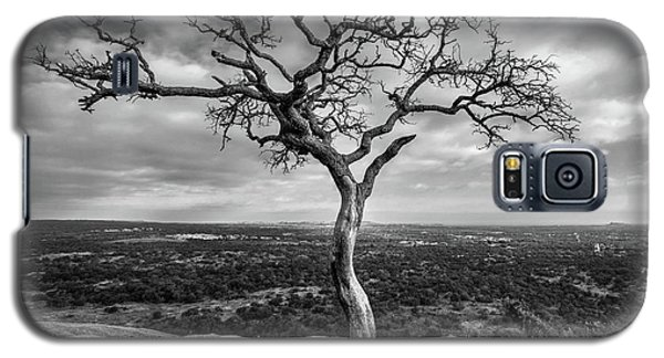 Tree On Enchanted Rock In Black And White Galaxy S5 Case