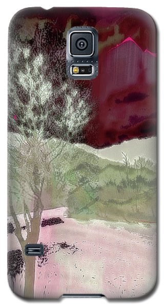 Tree Witness To Lake At Dawn Galaxy S5 Case