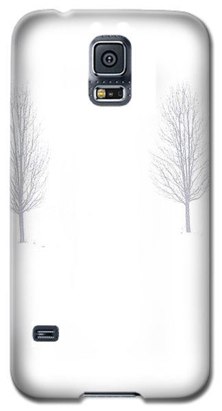 Galaxy S5 Case featuring the photograph Trees And Snow by Daniel Thompson