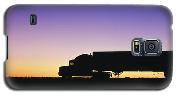 Truck Parked On Freeway At Sunrise Galaxy S5 Case by Jeremy Woodhouse