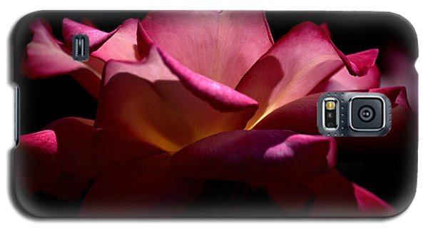 Galaxy S5 Case featuring the photograph True Beauty by Lori Seaman