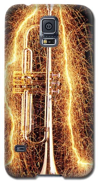 Trumpet Galaxy S5 Case - Trumpet Outlined With Sparks by Garry Gay