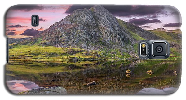 Galaxy S5 Case featuring the photograph Tryfan Mountain Sunset by Adrian Evans
