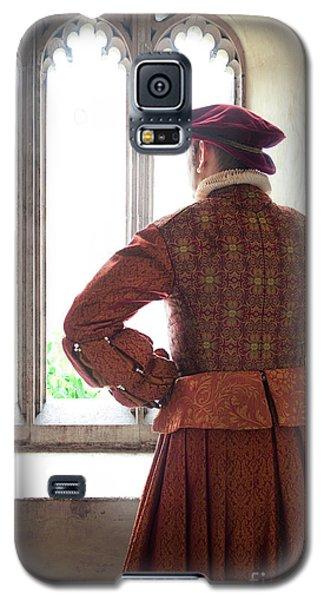 Tudor Man At The Window Galaxy S5 Case by Lee Avison