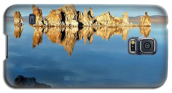 Tufa Reflection At Mono Lake Galaxy S5 Case