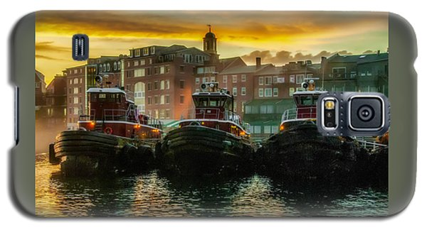 Tugboats In Portsmouth Harbor At Dawn Galaxy S5 Case