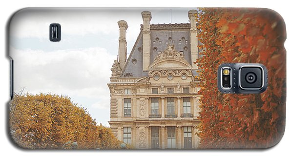 Galaxy S5 Case featuring the photograph Tuileries Garden In Fall by Ivy Ho
